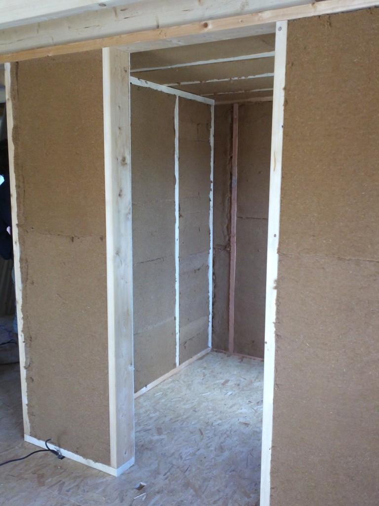 Isolation de mur à ossature bois avec de la laine de bois