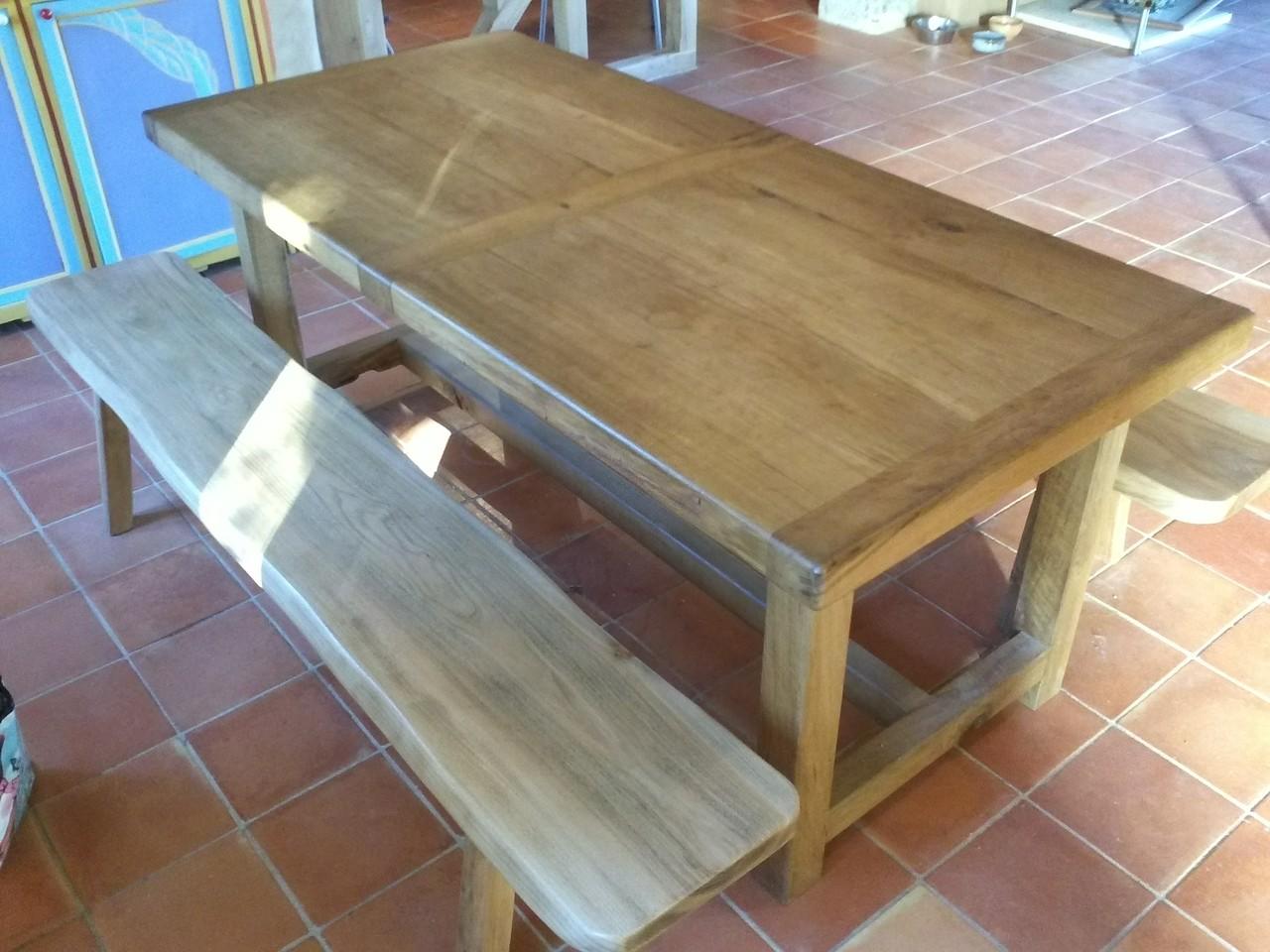 Réalisation d'un table en chêne massif et banc en bois d'orme