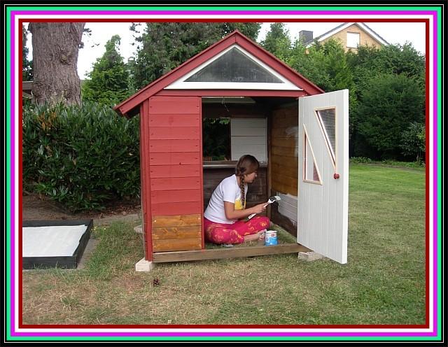 10. August 2012, Nessie besorgt den Innenanstrich, soweit es gfeht und sie noch Lust dazu hat ;-)