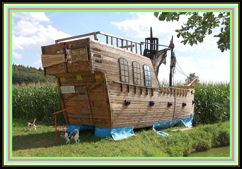 """Fritz : """"Ich bin der Kapitän Jack Sparrow, und das ist mein Schiff!"""""""