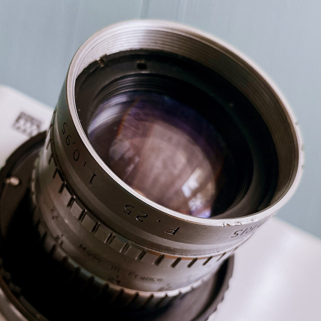 初めてのアンジェニュー angenieux 25mm f0.95を使ってみました