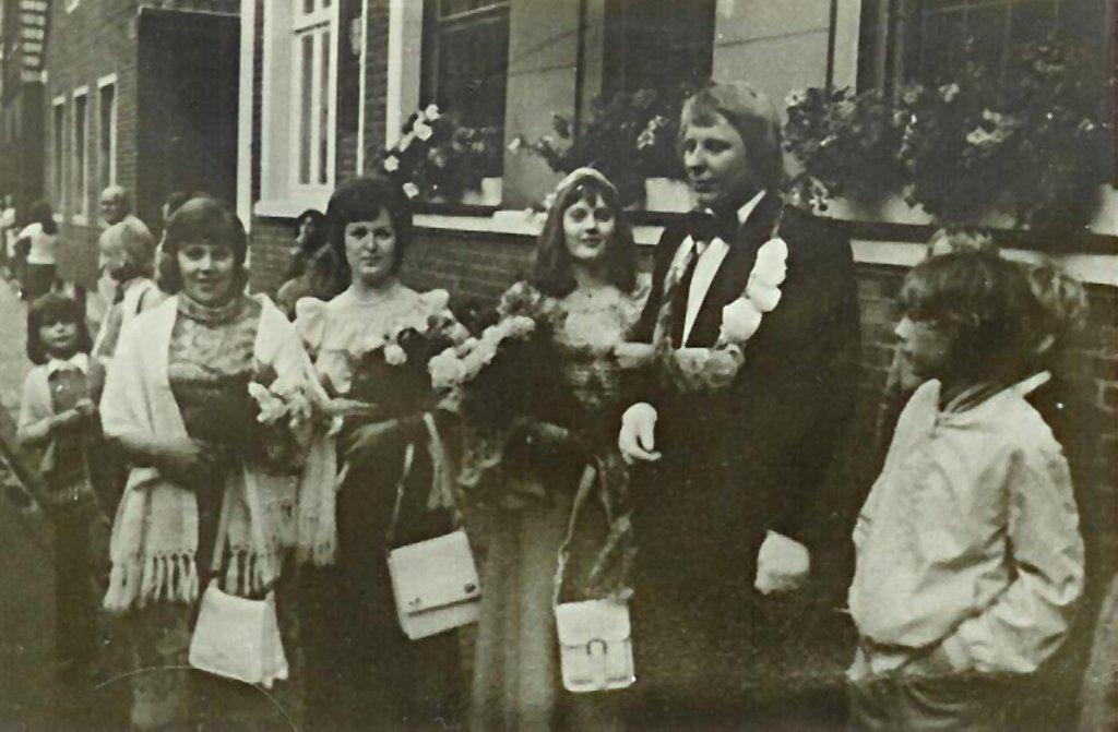 König 1974: Josef Pollecker, Königin: Gabriele Hahn, Ehrendamen: Elfriede Pollecker und Marianne Meyer