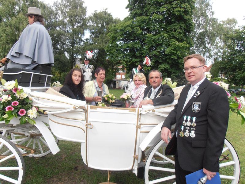 König 2013: Guido Wirtz, Königin: Anja Wirtz, Ehrendamen: Bianca Schulten und Beatrix Kalkowski