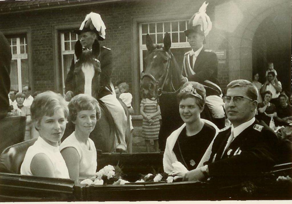König 1968: Willi Hertz, Königin: Christel Kleideiter, Ehrendamen: Inge Pollecker und Sigrid Hertz