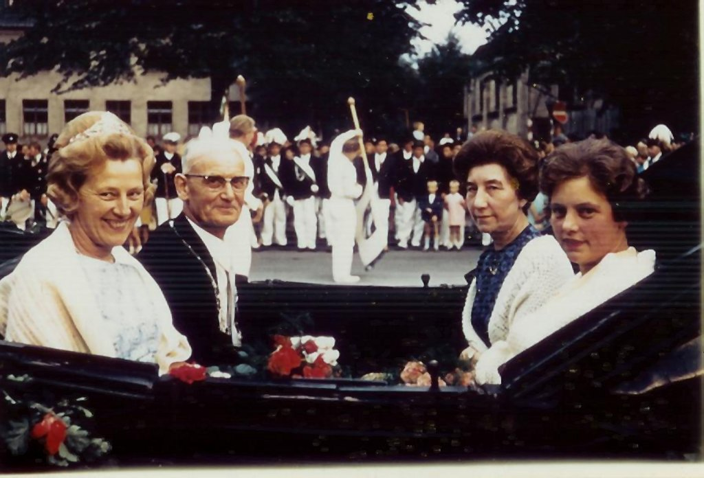 König 1969: Paul Koebrügge, Königin: Maria Surmund, Ehrendamen: Maria Klaphake und Ursula Messing