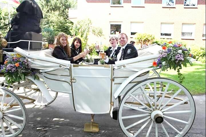 König 2015: Fabian Decker, Königin:Theresa Bolte, Ehrendamen: Janine Haase und Rebecca Stutter