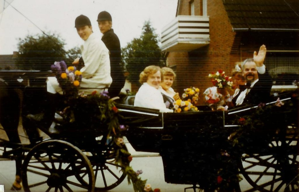 König 1981: Adolf Mecke, Königin: Waltraut Große Föller, Ehrendamen: Gerda Mecke und Karin Heuermann