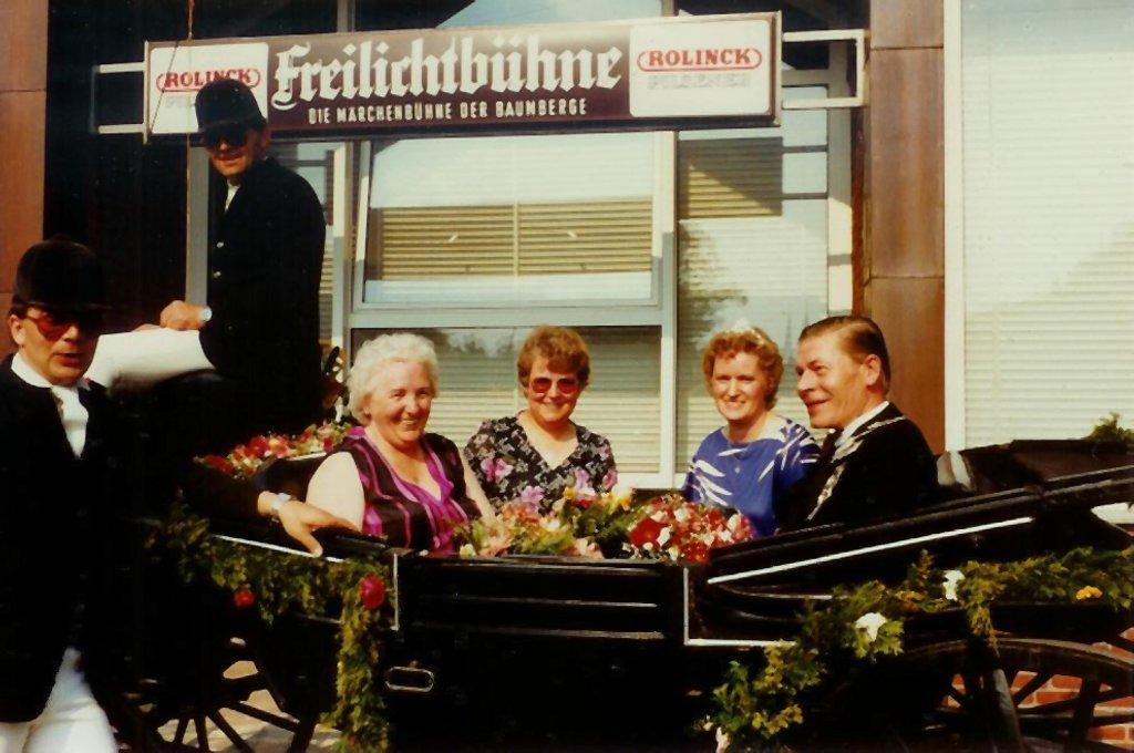 König 1983: Herbert Reichert, Königin: Hedwig Milkis, Ehrendamen: Margret Berling und Helga Jahnke