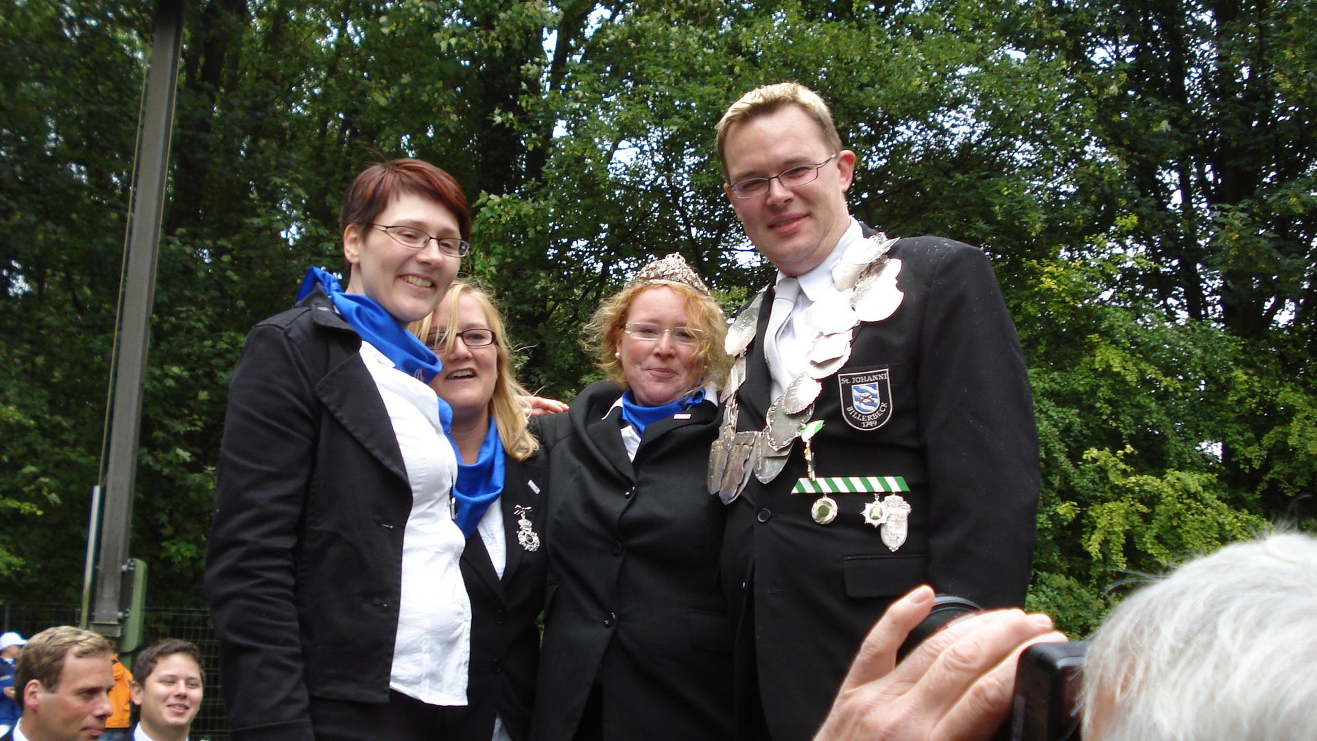 König 2011: Carsten Rampe, Königin: Sandra Terbone, Ehrendamen: Friederike Rottmann und Andra Leifeld