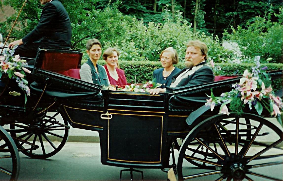 König 1995: Dieter Flotkötter, Königin: Jutta Flotkötter, Ehrendamen: Anja Flotkötter und Renate Windhager