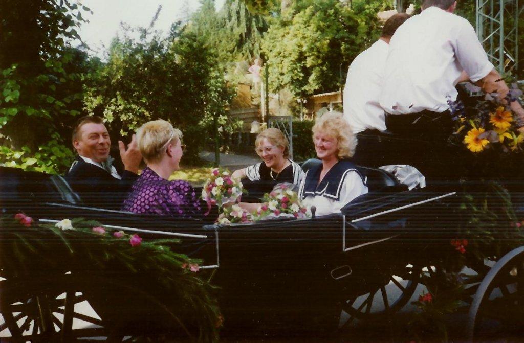 König 1992: Heinz Sicking, Königin: Hildegard Löbbert, Ehrendamen: Hedwig Sicking und Elfriede Böckenholt