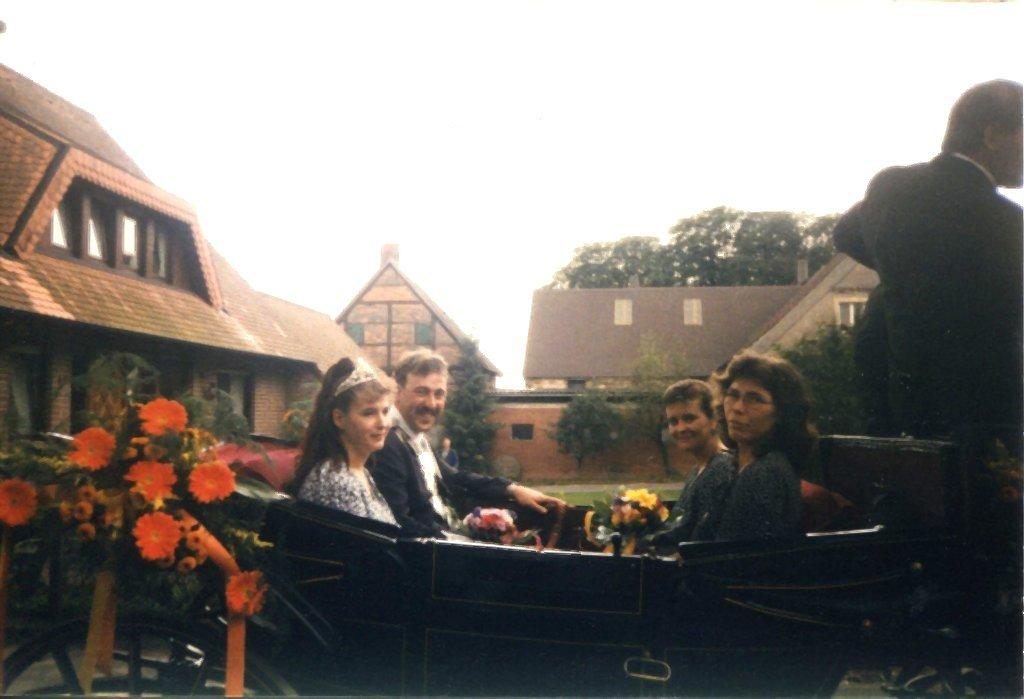 König 1997: Reinhold Beulker, Königin: Beate Stein, Ehrendamen: Rita Stein und Christa Ugar