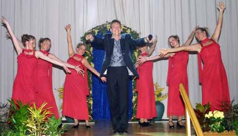 Michael Hofmann mit der Tanzformation aus Inheiden