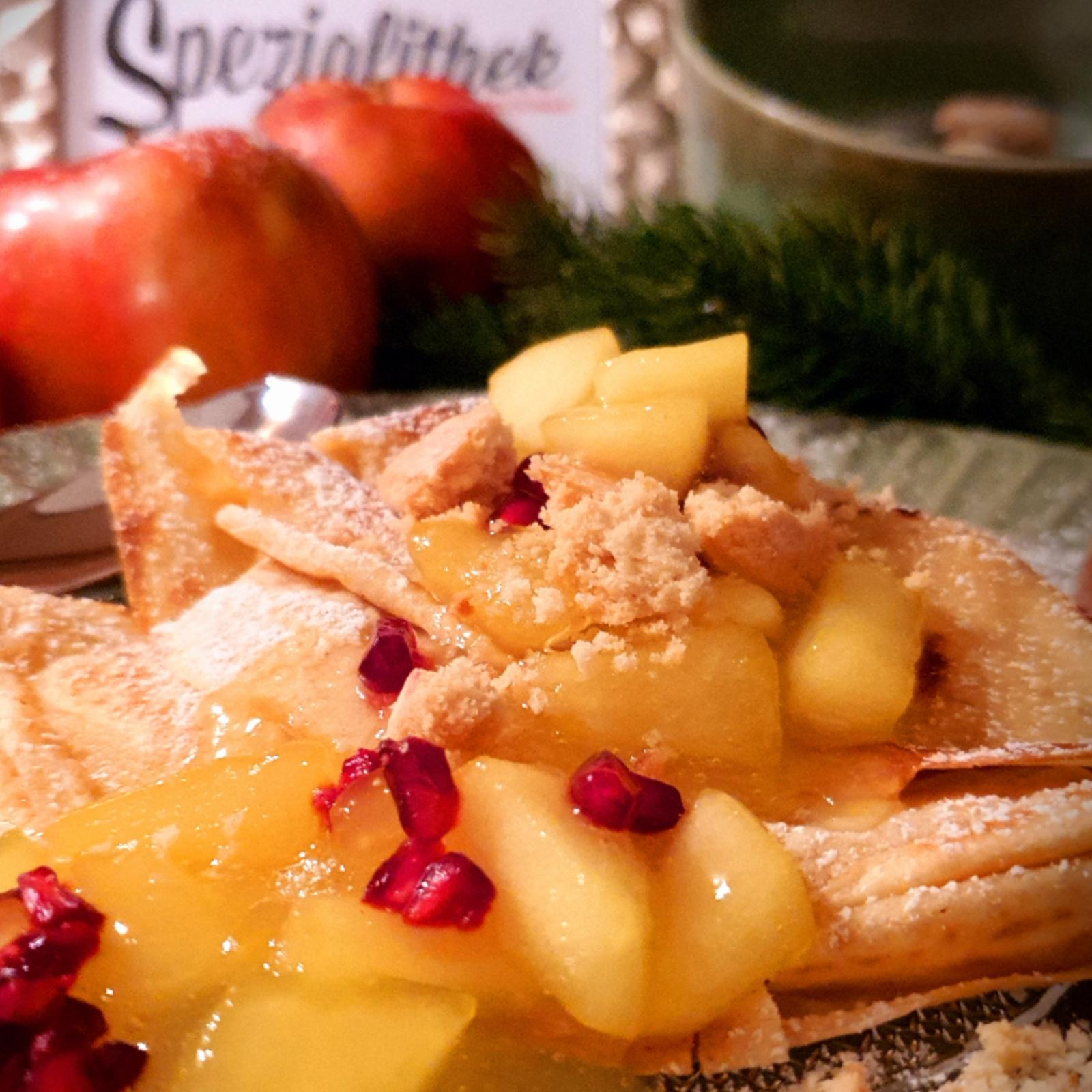 Vanillekipferl Palatschinken mit Apfelragout Spezialithek Genussportal Markus Leingruber
