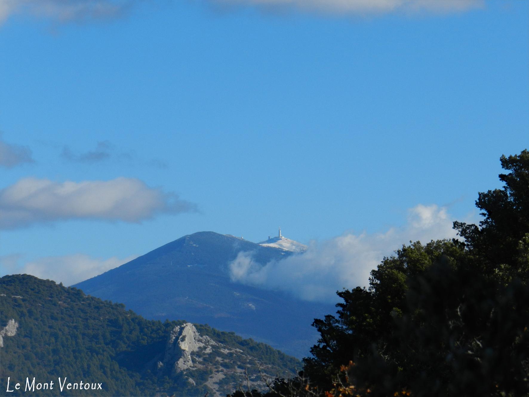 Tout proche, le Mont Ventoux