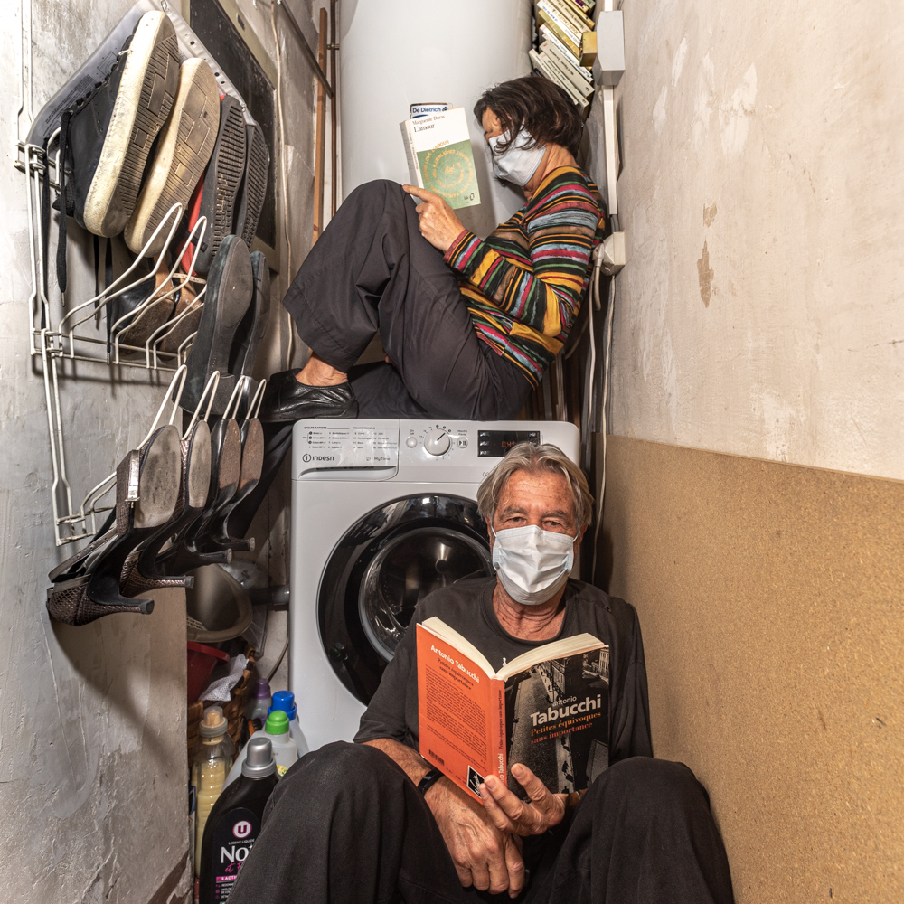 Chez nous la lecture c'est comme le linge sale , en famille.
