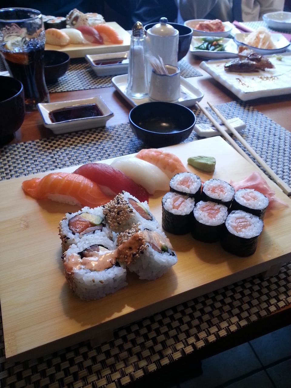 Sushi Mittagsmenü + Misosuppe