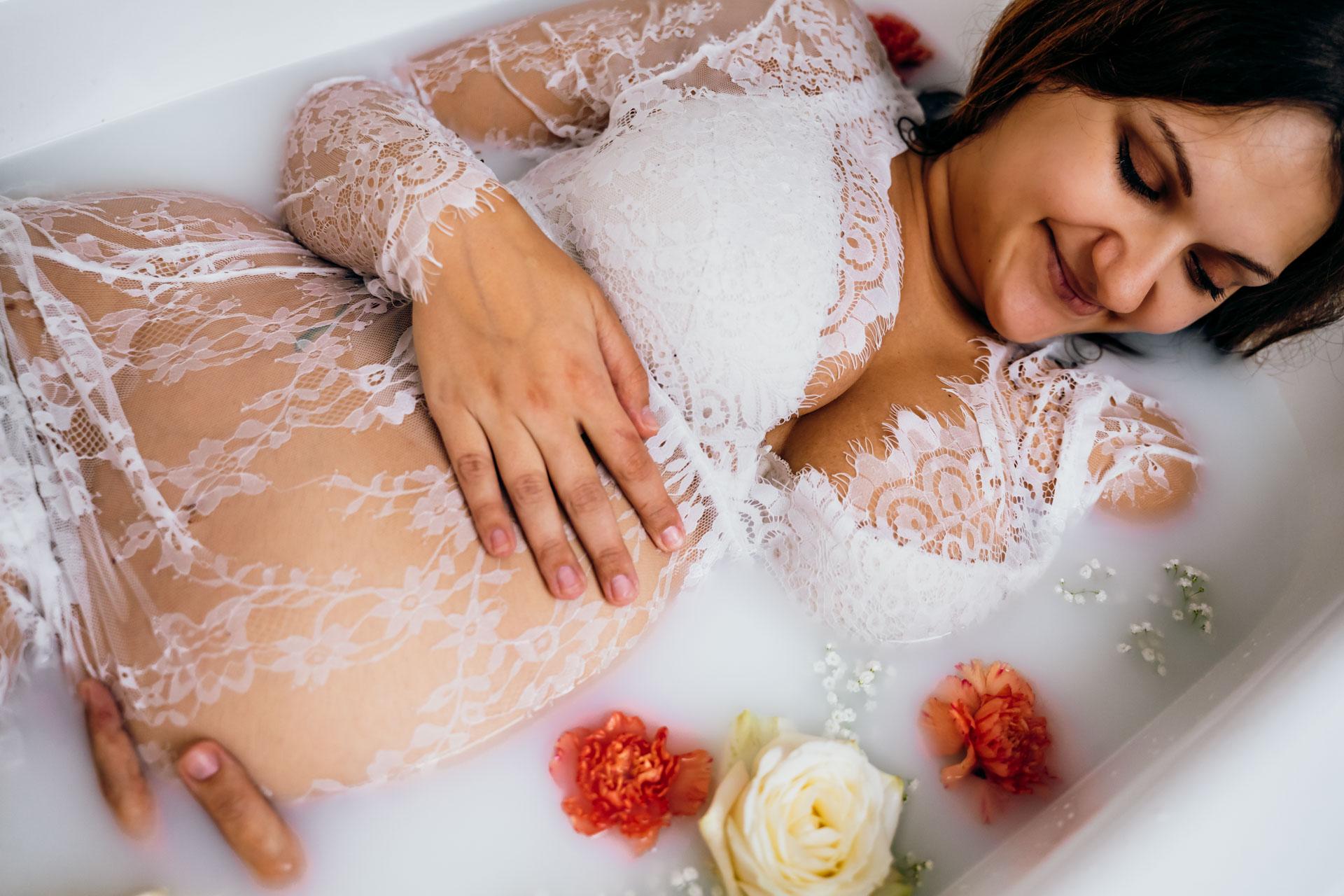 Babybauchbilder Badewanne