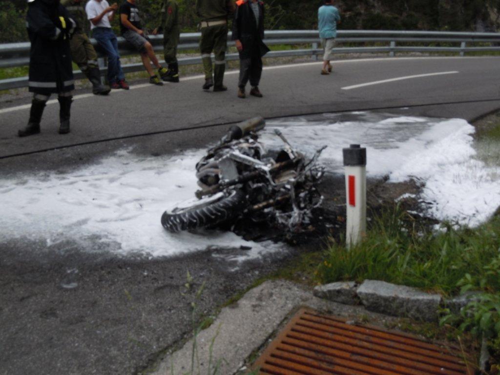 Motorradbrand L 266 Plötzigtal 29.06.2011