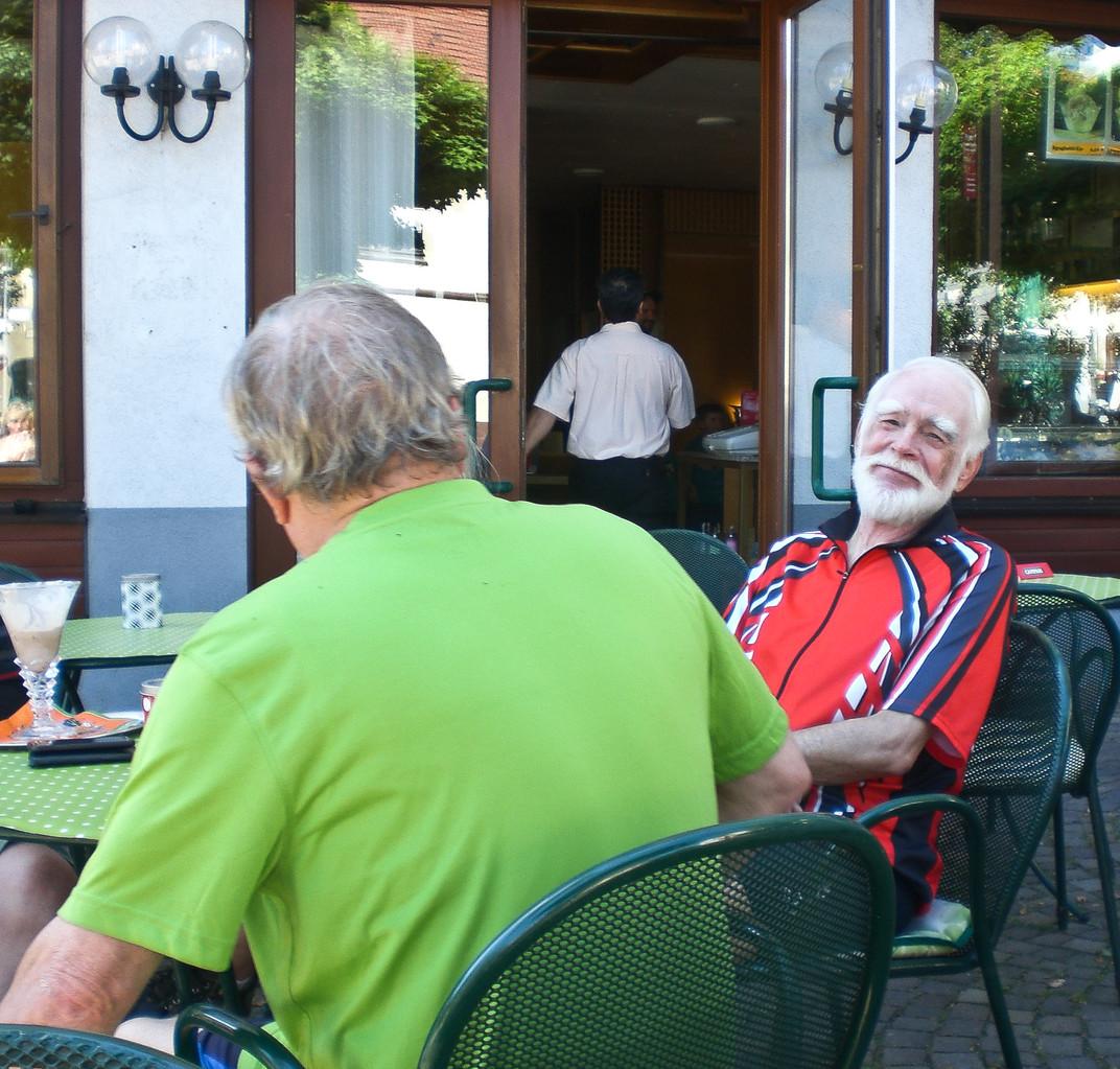 Bald Aufbruch: über die Rheinau...