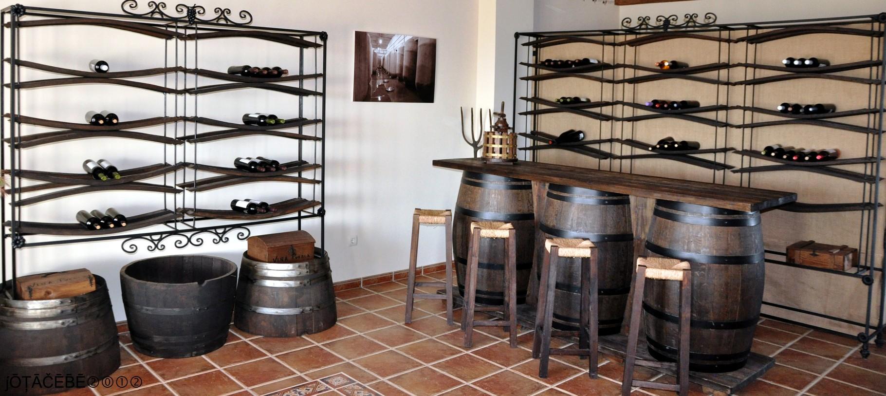 ワイナリー内のワインショップ
