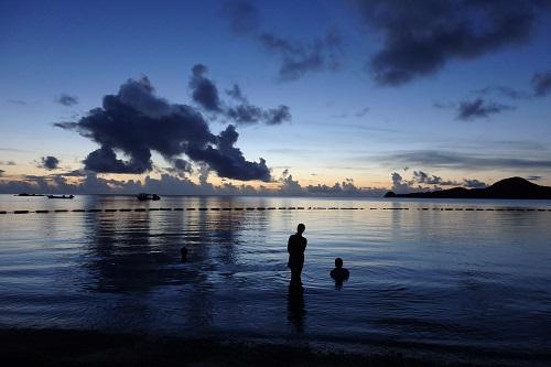 石垣島 底地ビーチの夕暮れ