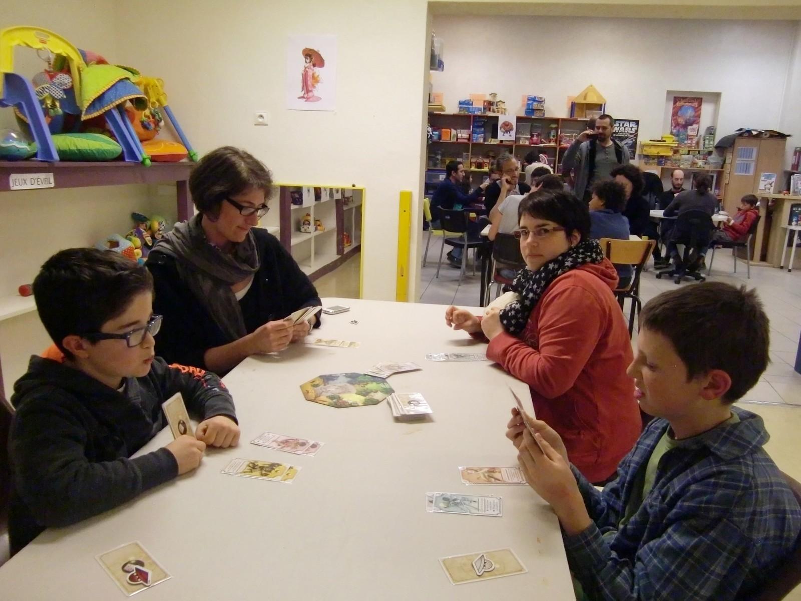 "3ème ronde : la table ""Kitsune"" (T5)"