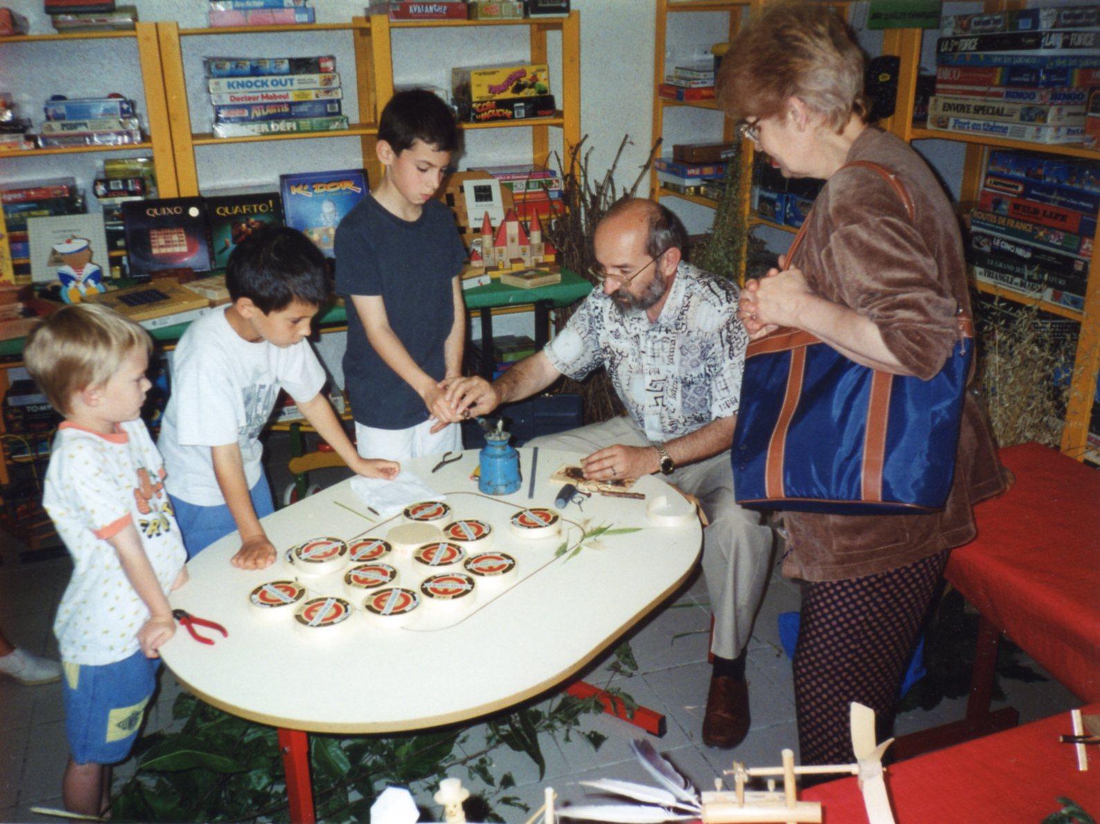 construction de jouets en bois