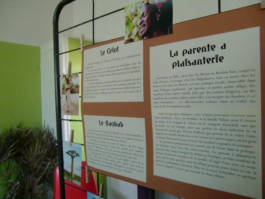 panneaux - griots/ baobab/ parenté à la plaisanterie