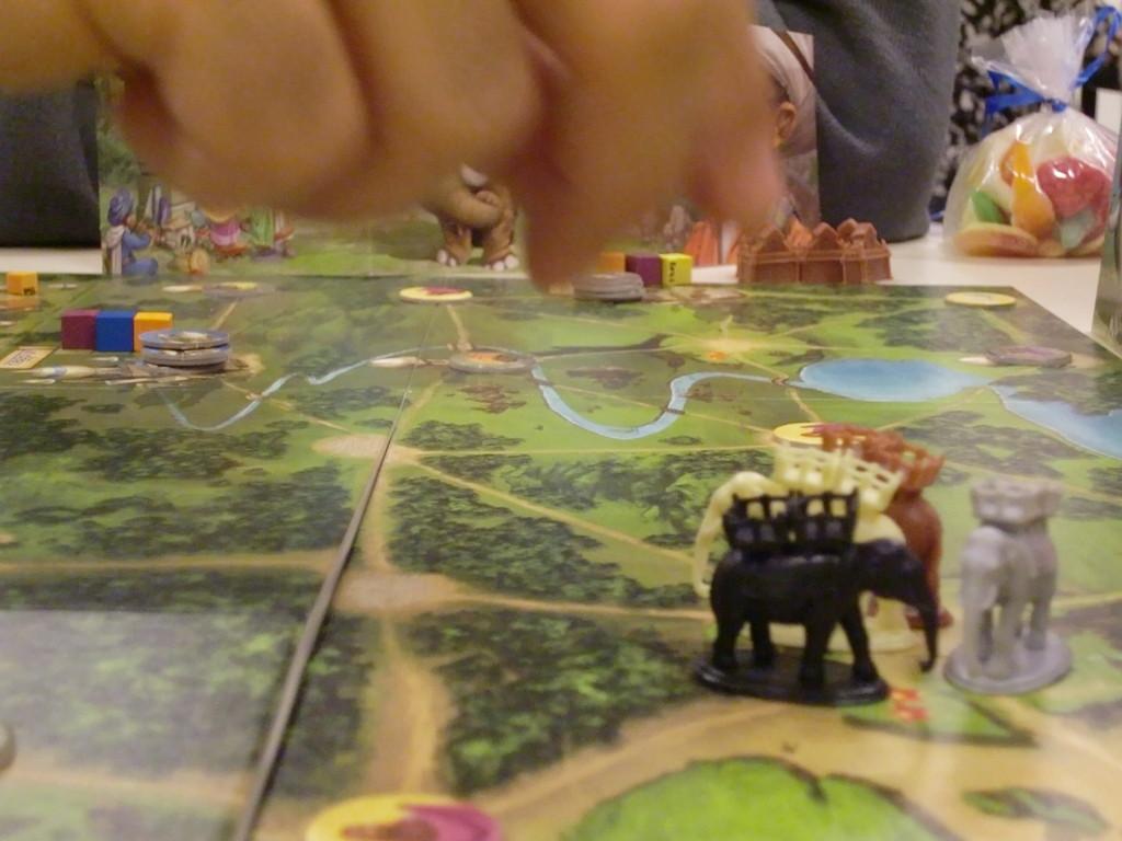 Bombay, tous les éléphants sont prêts à partir négocier leurs marchandises