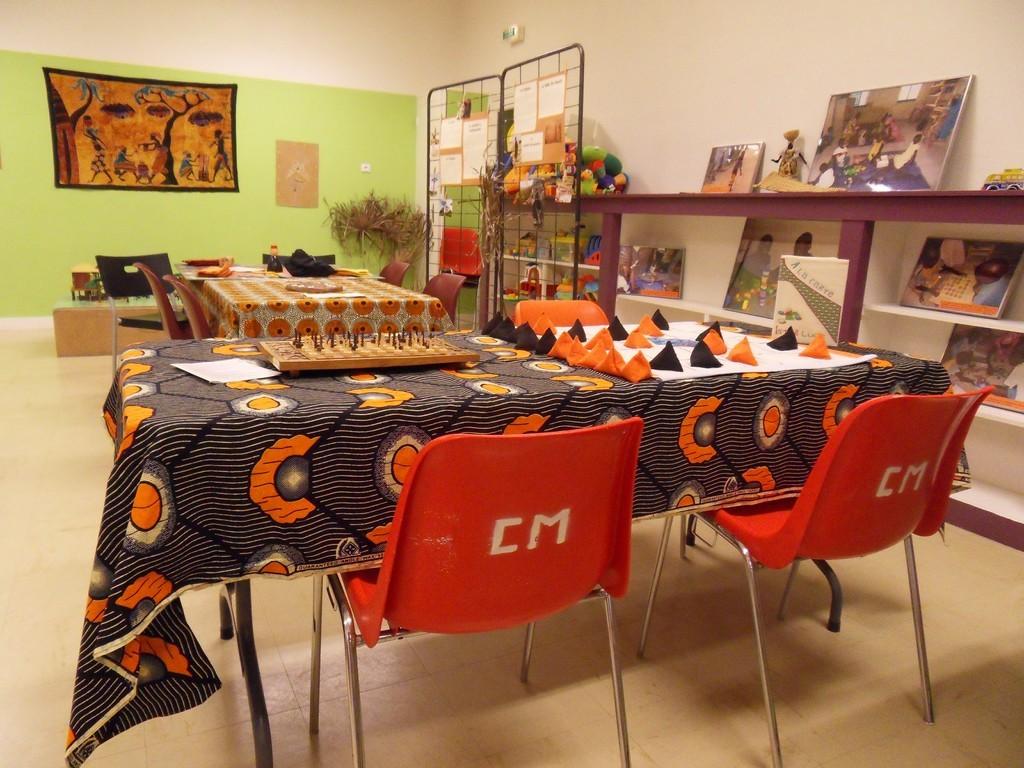 fanorona, seega, expo photos et Marrakech en fond...