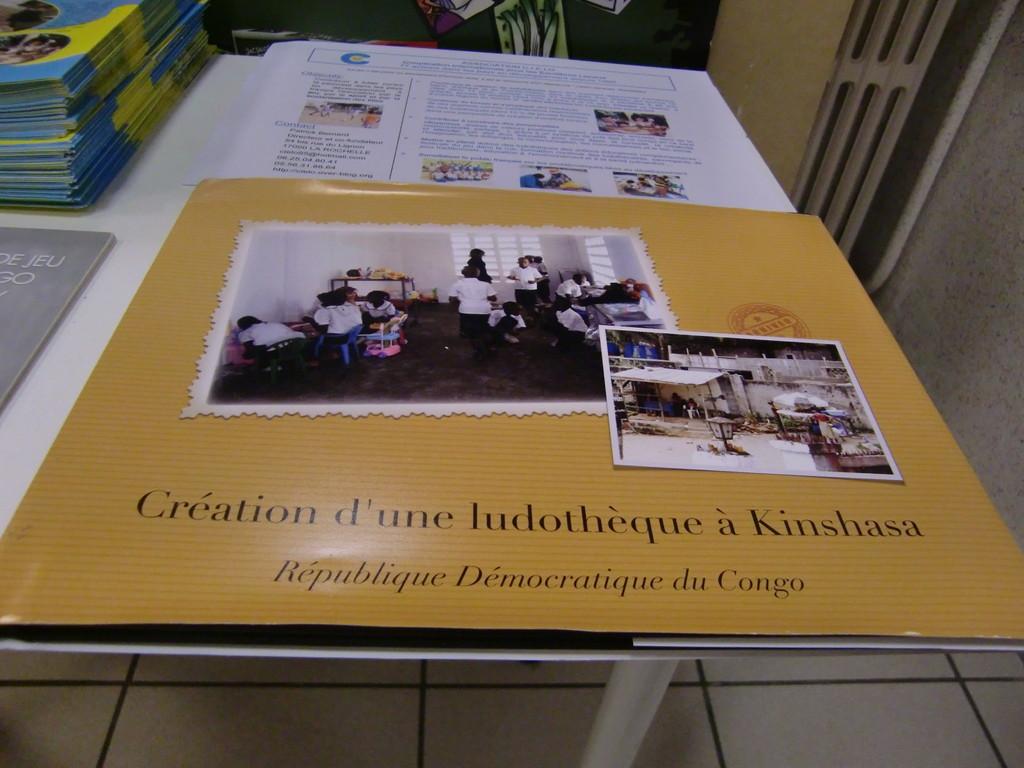 l'album photo de la création d'une ludothèque à Kinshasa