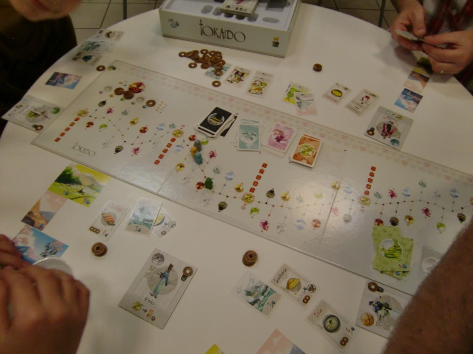 il nous fallait bien une seconde table de Tokaïdo