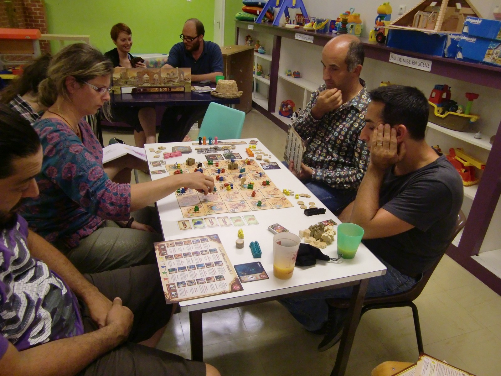 belle installation pour Five Tribes