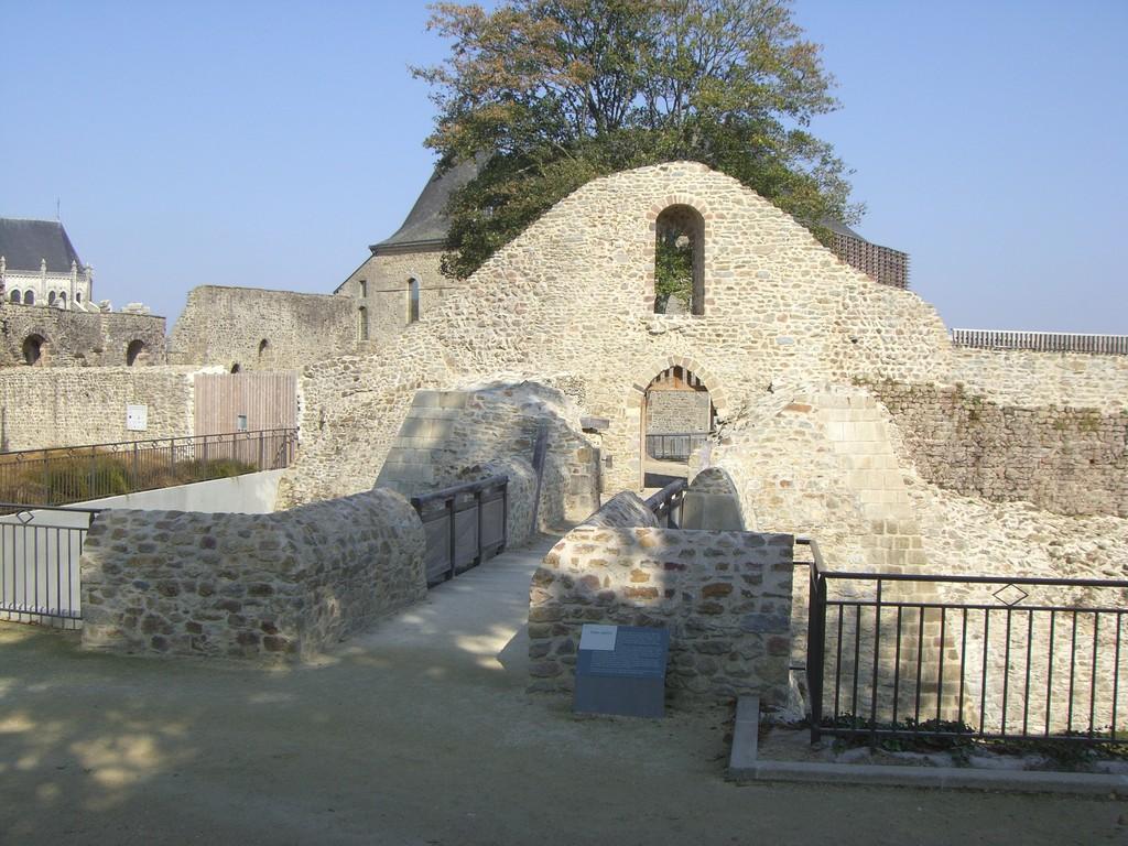 La tour porte