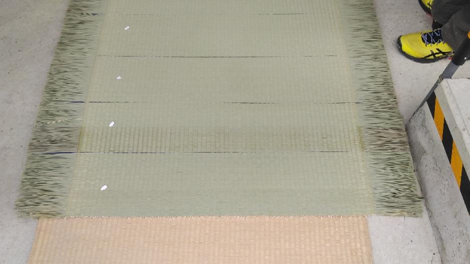 参加した畳店様ごとに20㎝程表を織りました。