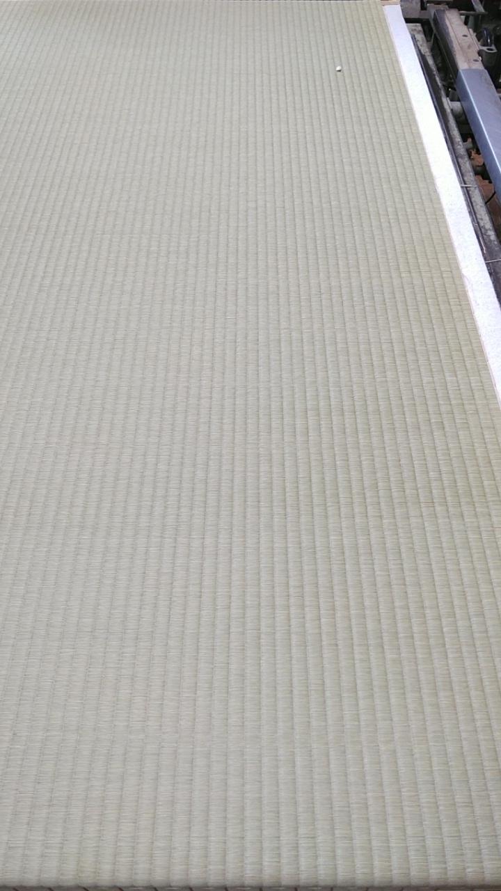 熊本産表を使用して新畳作業です。