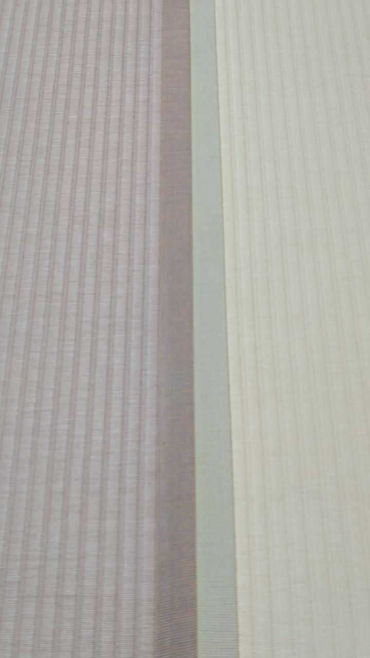 畳縁は、同系色の虞美人草No6ピンク色とNo8アイボリー色を使用しました。