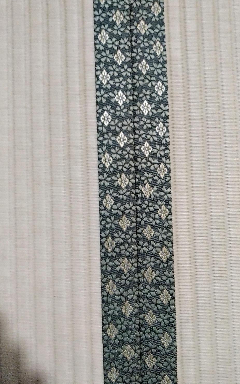 セキスイ美草リーフグリーン色、畳縁 アラベスクNo530です。