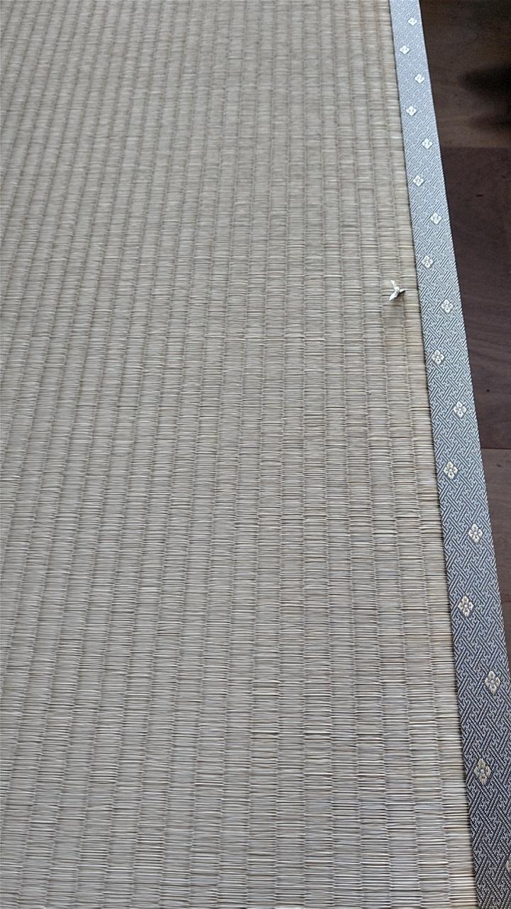 熊本産表を使用して、新畳作業をしました。