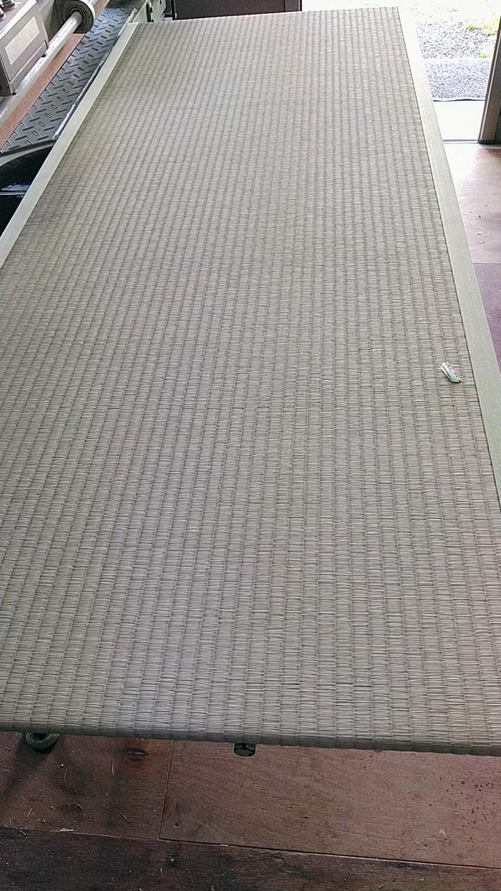 熊本産表を使用して、置き畳を納品しました。