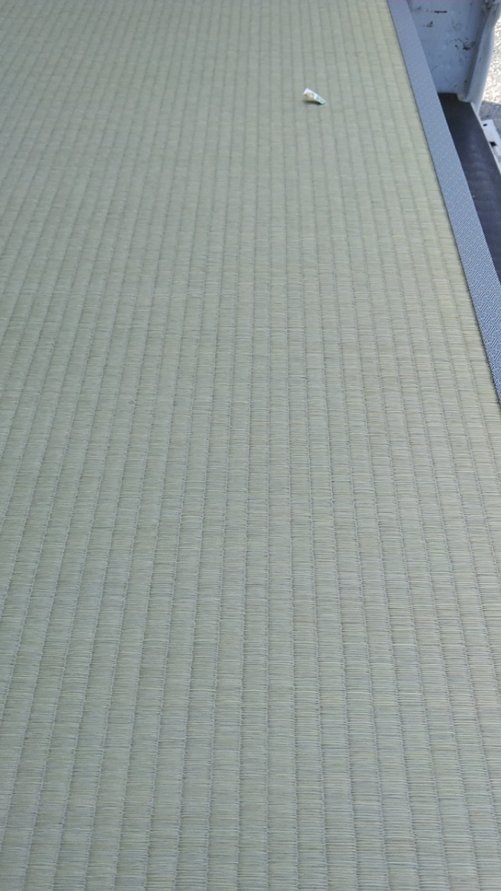 新畳に、熊本産表を使用しました。