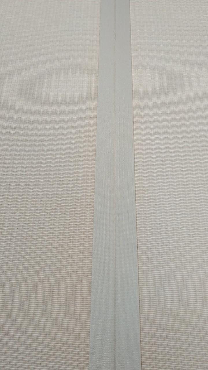 ダイケン健やかおもて、清流カクテルフィット 乳白色×白茶色と畳縁は、同系色のストリーム乳白色を使用しました。