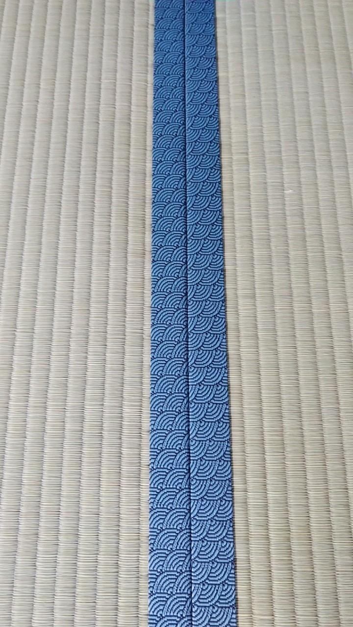 畳縁は、問屋様オリジナルカラーの「海波 水色」を使用しました。