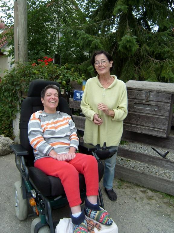 Caroline und Schwiegermutter Maria (lebt jetzt im Heim)