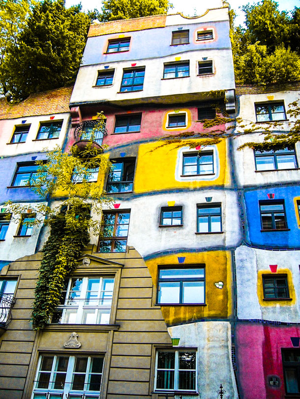 off the beaten track Vienna: Hundertwasser House