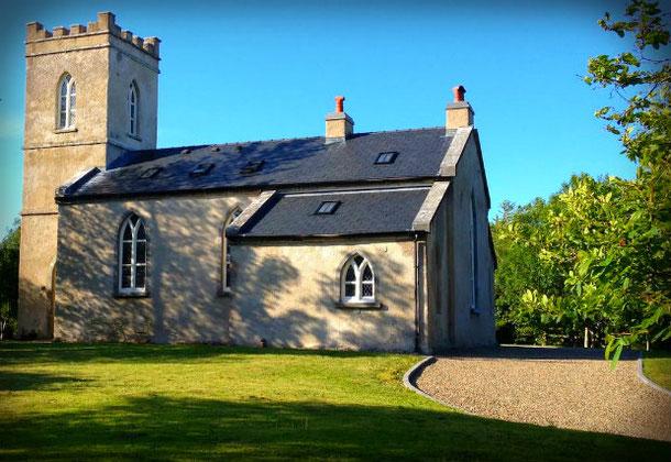 Старинная церковь в Ирландии доступна в аренду через Airbnb