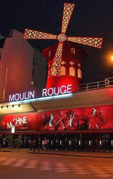 необычный ужин в Париже в Мулен Руж