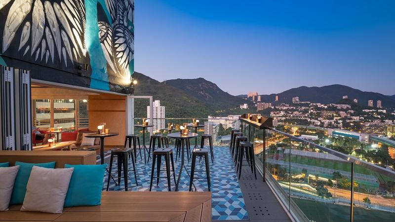 стильный хипстерский отель в Гонконге с террасой на крыше