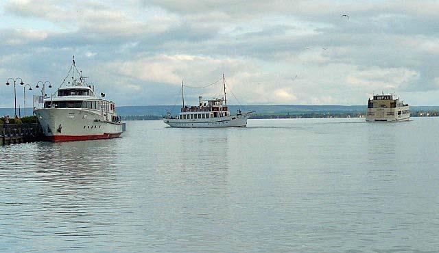 Rondvaartboten in Badascony